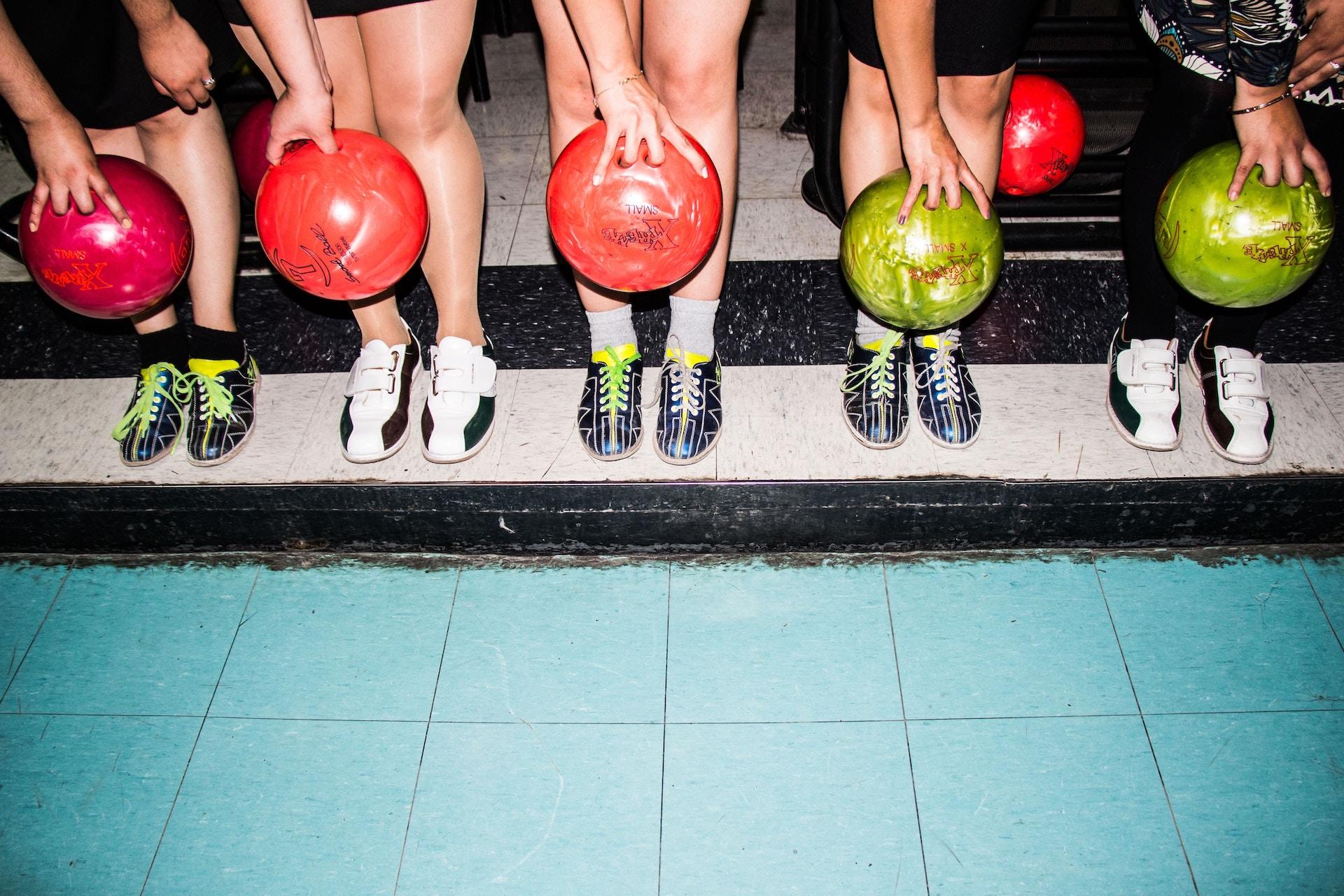 Comment sont fabriquées les boules de bowling