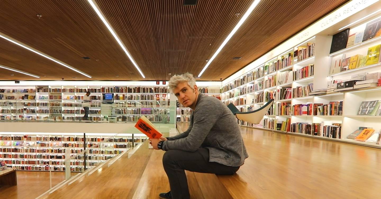 Comment lire plus de livres à l'âge d'or du contenu en ligne ?
