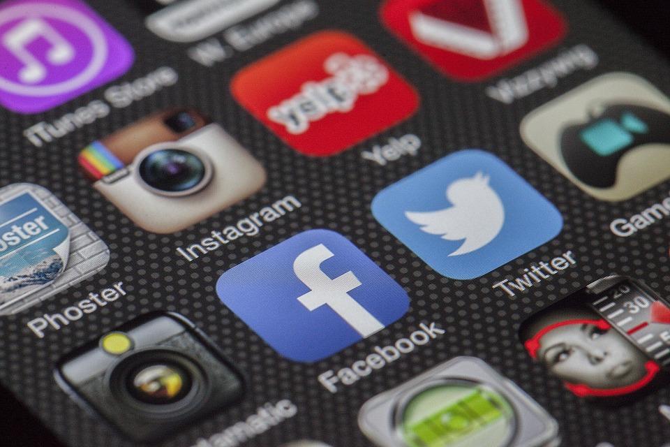 Webosaures - Effets psychologiques pervers des réseaux sociaux