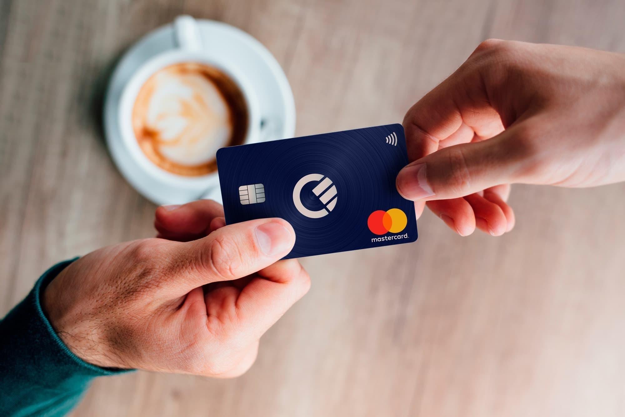 Curve – Une seule carte pour embarquer toutes vos cartes bancaires (et c'est gratuit)