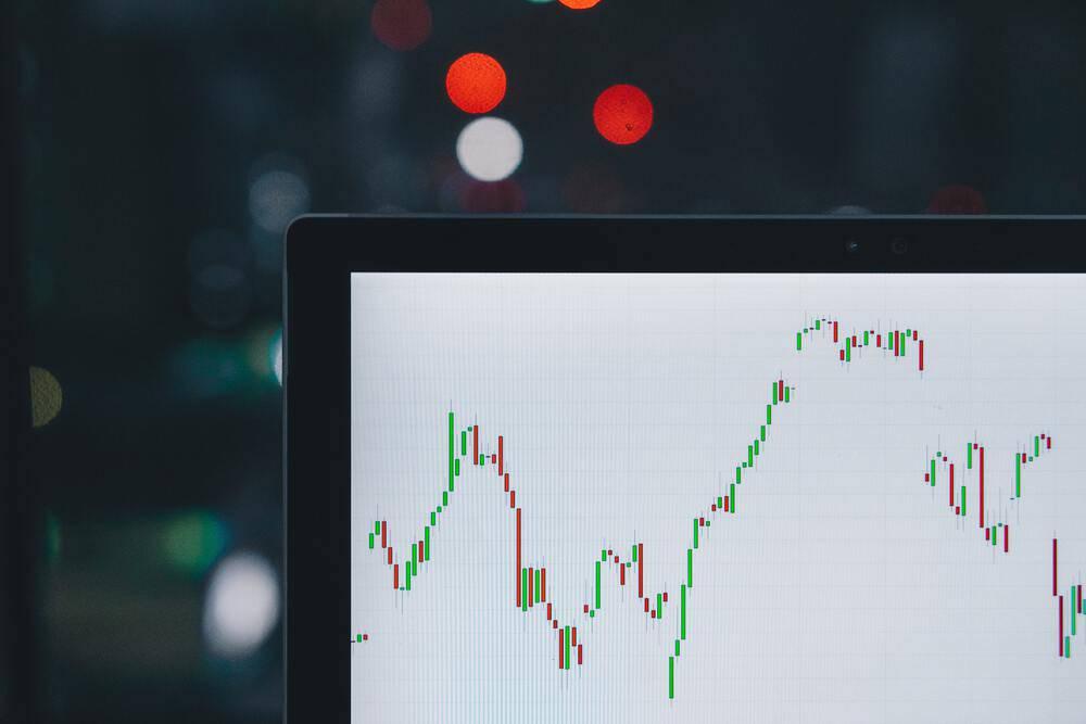 Comment suivre les cours de la bourse et de vos cryptomonnaies dans le terminal ? – Korben