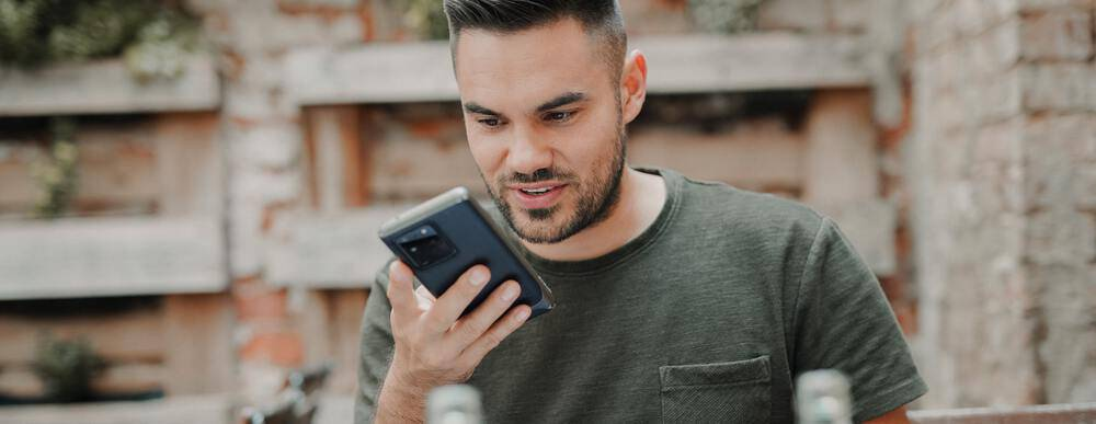 Comment numériser une voix et lui faire lire un texte ? – Korben